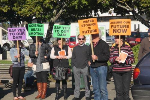 rally placards3